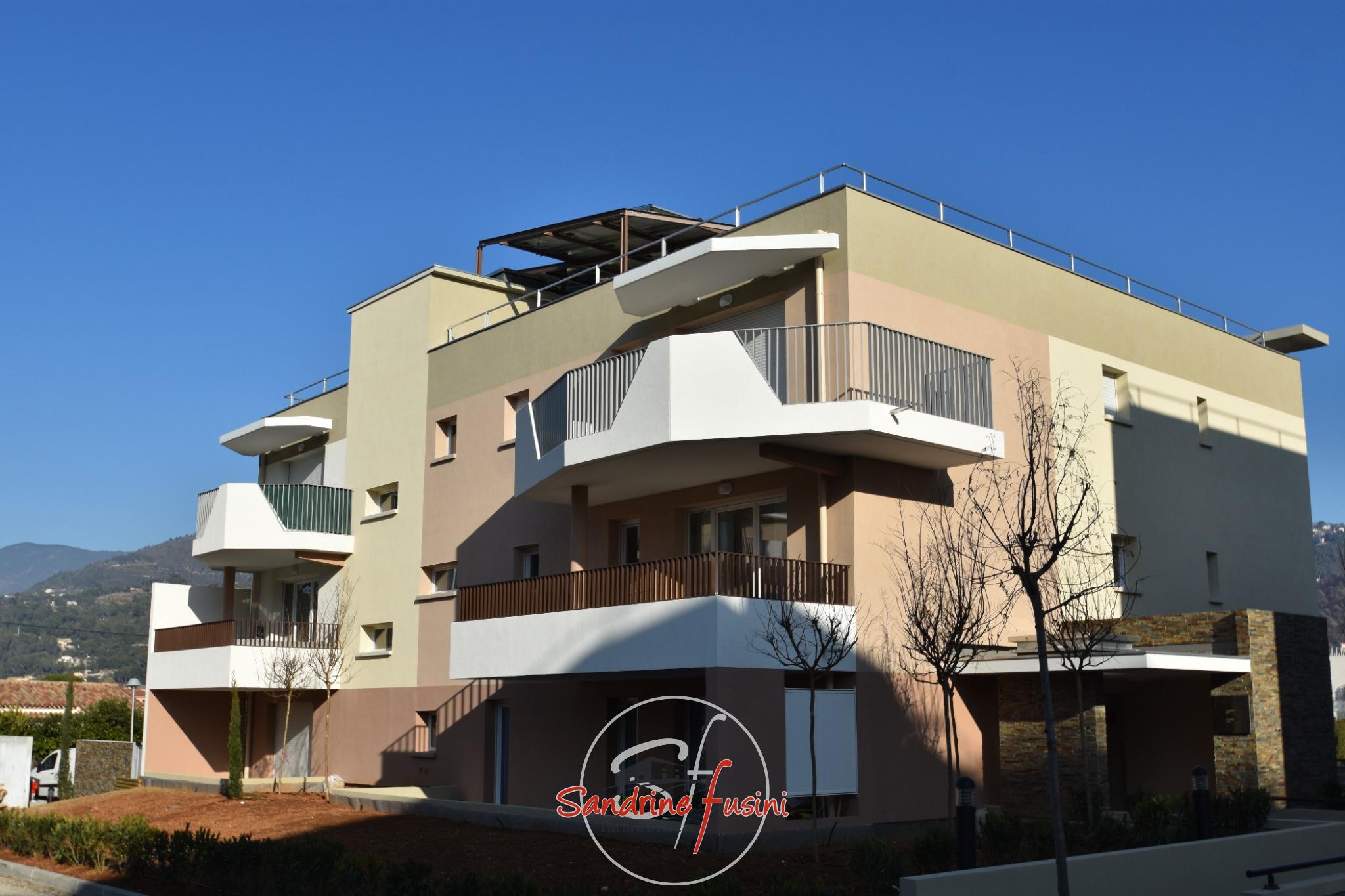 Agence fusini immobilier carros vente location et immo neuf for Vente de bien immobilier atypique
